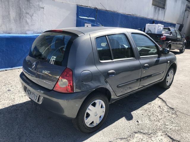 Clio 1.0 2010 - Foto 9