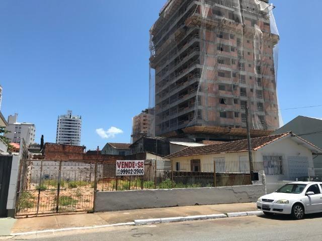 Terreno 360m2 - viabilidade 14 andares - Rua Eugênio Portela - Barreiros - São José