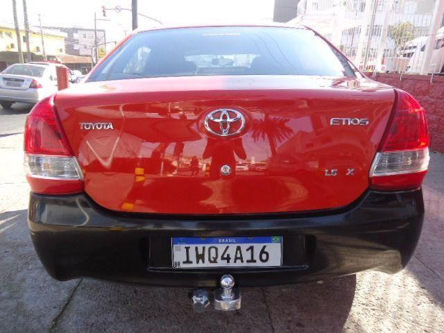 Toyota - Etios Sedan 1.5 X + GNV - Foto 6