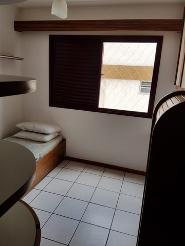 Oportunidade de Locação Anual, Apartamento Mobiliado, frente mar, 03 dormitórios (1suíte) - Foto 16