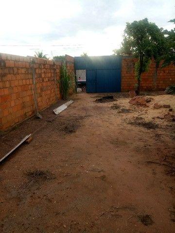 Lote com construção pego carro ou chácara na troca - Foto 7