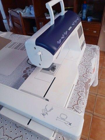 Maquina de Bordados - Brother - Foto 2