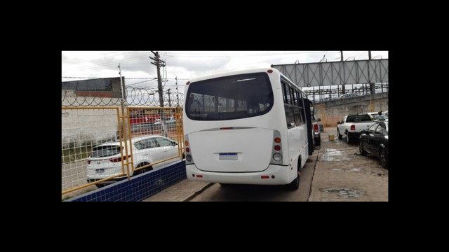 *Vendo microônibus* conservado - Foto 5