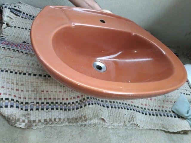 Pia e descarga - Louça banheiro- Conjunto de louça, Pia e descarga - Foto 5