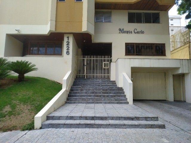 Centro.Rua José Anton/Incluso IPTU.Condomí.Água/Apartamento 3 quartos/Todos c.Armários - Foto 2