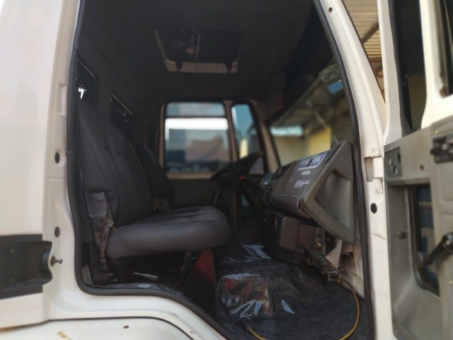 Ford Cargo 1421 - Ano/Mod.: 2001 - Foto 7