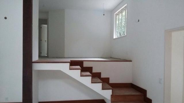 Excelente casa em condomínio 3 suítes - Itaipava -Petrópolis RJ - Foto 3