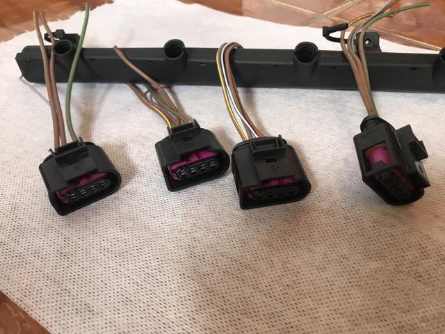 Plug conector + acabamento plástico bobina Gol G6