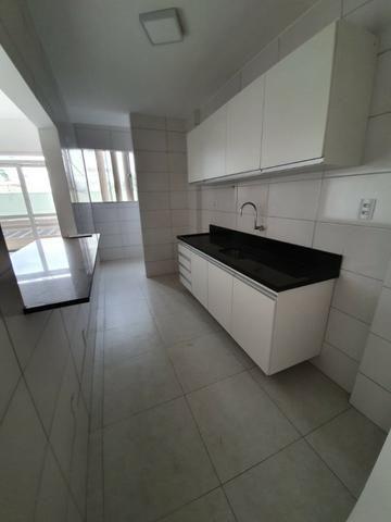 Alugo Lindo Edifício Atalaia com 2/4 - Foto 11