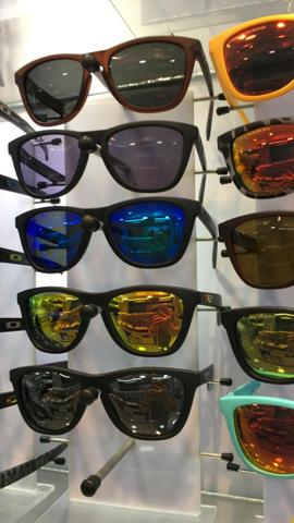 97098286c Óculos de sol Oakley - Diversos modelos, com garantia e lentes polarizadas