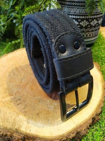 Cintos masculinos em couro, lona, cadarço a partir de R$40,00 - Foto 2