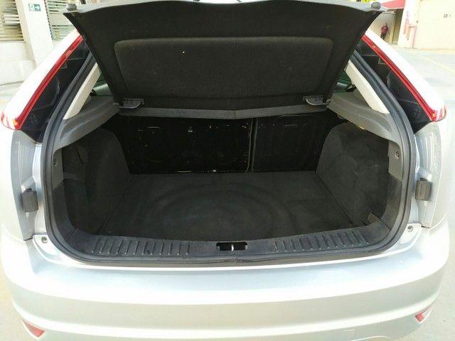Ford Focus 1.6 Hatch 2011  - Foto 15