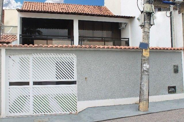 Casa com Conceito Aberto em Campo Grande, 3 quartos (sendo 2 deles suítes)