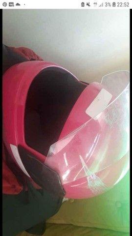 Vendo capacete rosa