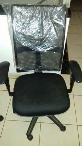 Cadeira giratória  - Foto 4