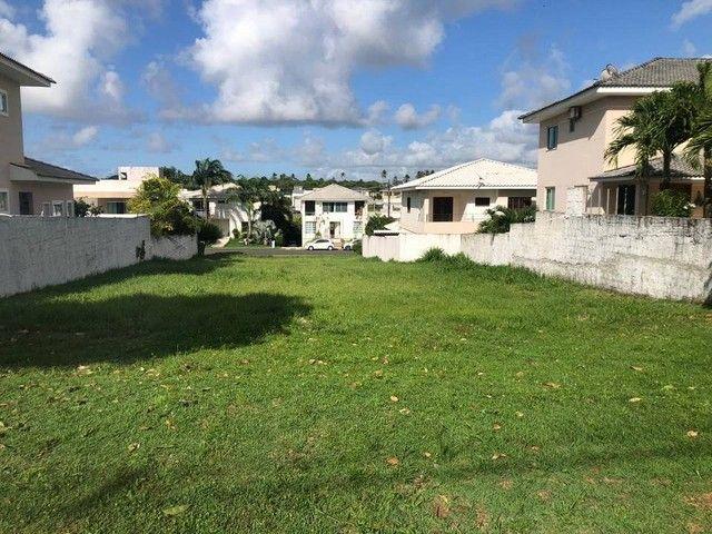 Lote para venda plano, nascente em ilha possui 504m² em Alphaville Litoral Norte 1 - Camaç - Foto 2