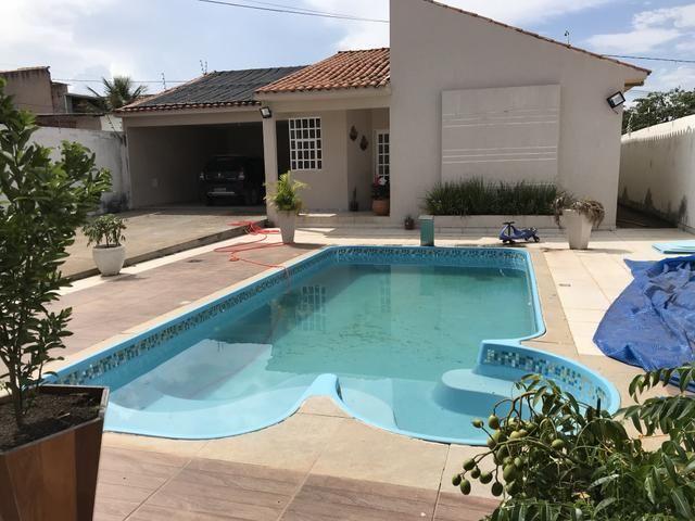 Linda casa de 3 qts, suíte, laje em Condomínio Fechado de Sobradinho/ Vila Verde