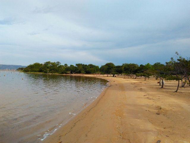 Ágio de Chácara 2000m2 condomínio na beira do lago