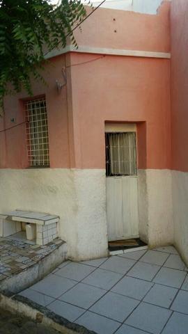 Vendo uma casa na Rua 21 de abril n*10 centro cajazeiras PB/ contato:(098)32430199