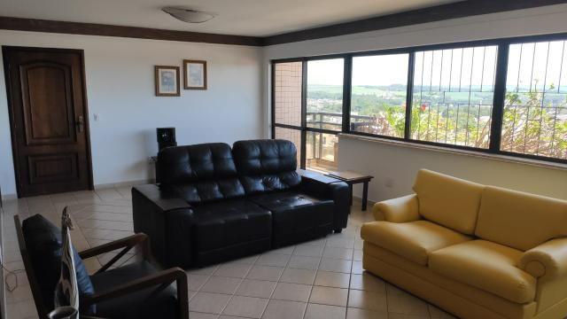 Vende-se/ Aluga-se Apartamento de Alto Padrão no Centro de Campo Mourão/PR