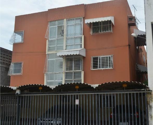 Apartamento quarto, sala, cozinha e varanda perto do Shopping Recife