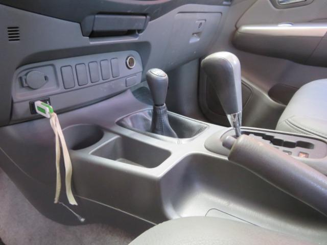 Hilux Diesel 3.0, 4x4 Automática modelo SRV Único dono, Estado de nova - Foto 12