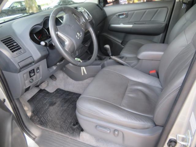 Hilux Diesel 3.0, 4x4 Automática modelo SRV Único dono, Estado de nova - Foto 19