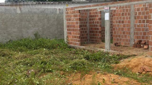 Terreno com uma casa em construção - Foto 5