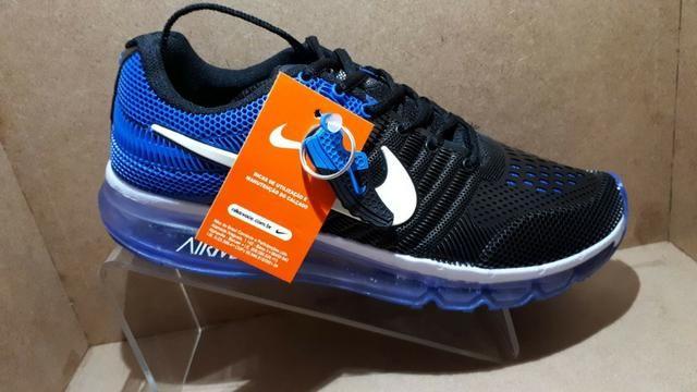 8040a15a9 Tênis Nike Air Max - Preto e Azul - Entrega Grátis - Roupas e ...