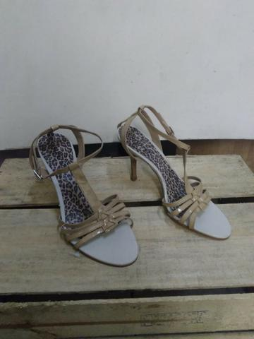 c4cc35c5e Ponta de estoque calçados femininos sem caixa - Roupas e calçados ...