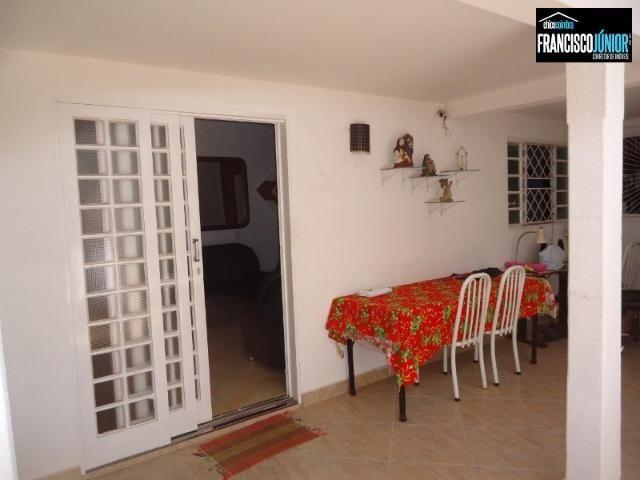 Casa no Setor Coimbra, 4 Quartos 1 suíte, 2 salas, Cozinha com armários, ótima localização - Foto 2