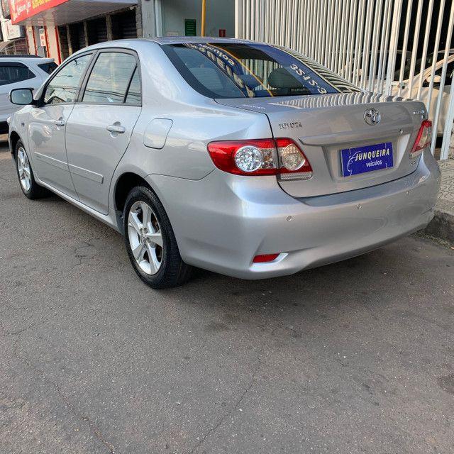 Toyota Corolla Xei 2.0 2013 Automático - Foto 4