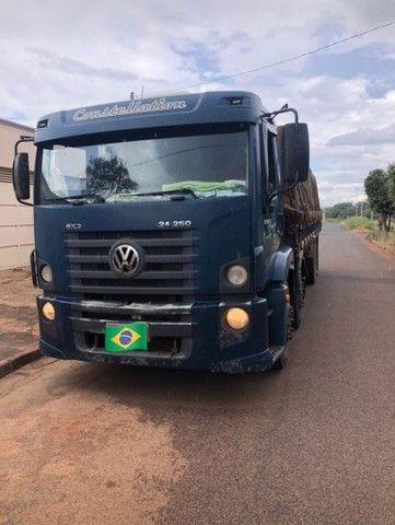 Caminhão 24.250