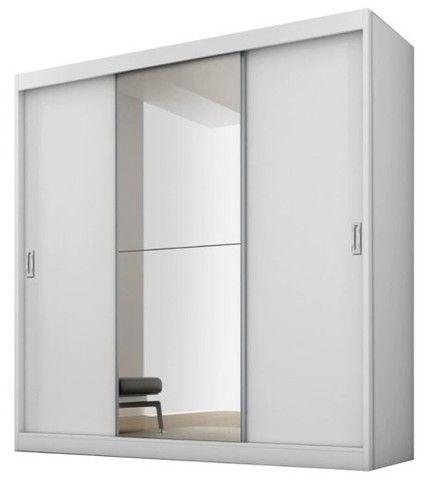 Guarda-Roupa Fama Flórida Plus com 3 Portas de Correr, 4 Gavetas e Espelho (Semi-novo)