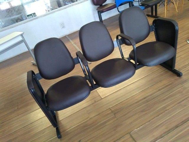 cadeiras longarina de igrejas - Foto 4