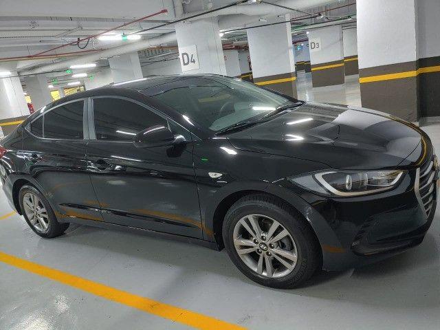 Vendo Hyundai Elantra 2017 com apenas 57 mil km 2º dono - Foto 5