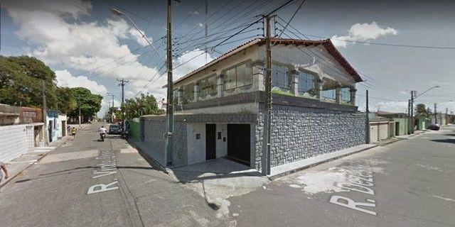 Excelente casa duplex com 520 m²