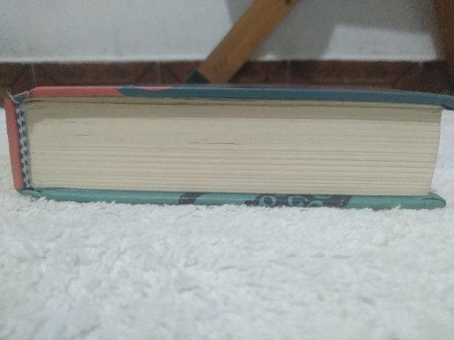 Livro 20 mil léguas submarinas - Foto 2