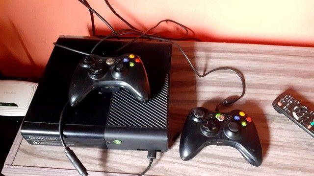 XBOX360 travado.. com 1 jogo original. - Foto 2