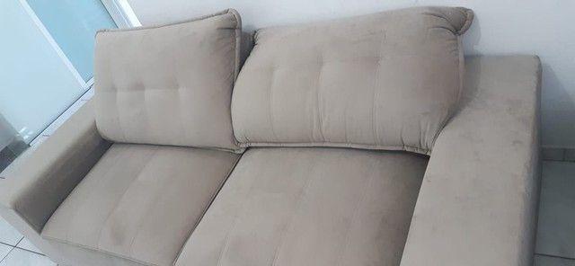 Sofá reclinável semi novo 4 lugares