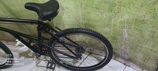 Excelente bicicleta toda revisada quadro de aço