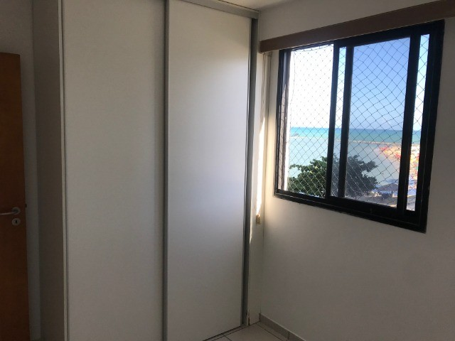 Apartamento beirar mar com piscina - Foto 10