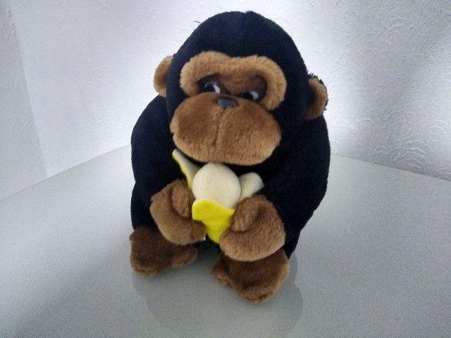 Pelúcia Macaco com banana - Foto 3