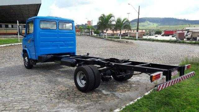 MB 710 2003 chassis