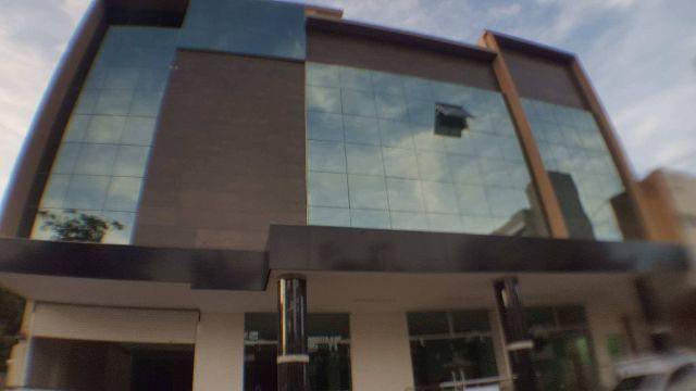 Prédio comercial na 104 Norte - 2.366 m² c/ Elevador e 4 pavimentos