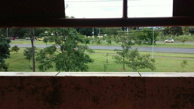 Alugo apartamento de 2 quartos no Guara frente livre