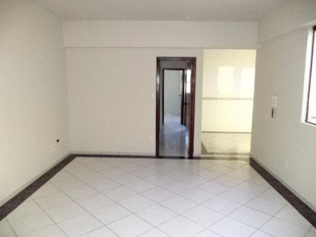 Apartamento para alugar com 2 dormitórios em Centro, Divinopolis cod:170