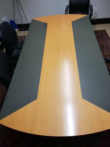 Mesa para sala de Reunião marca Móbile