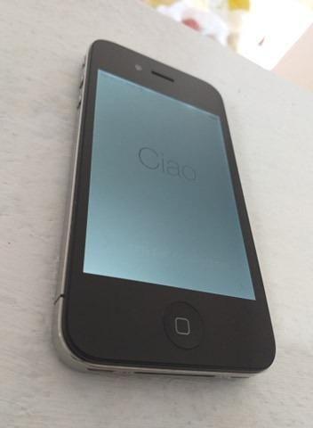 Iphone 4 com 32 giga muito novo