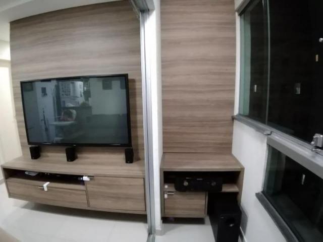 Excelente apartamento 2 Quartos com suíte montado e decorado - Foto 2
